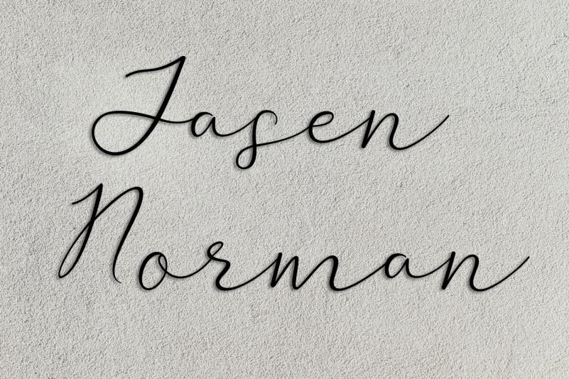 Avran Script Font